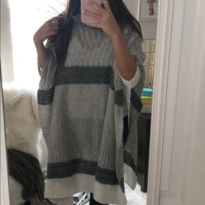 Seater poncho